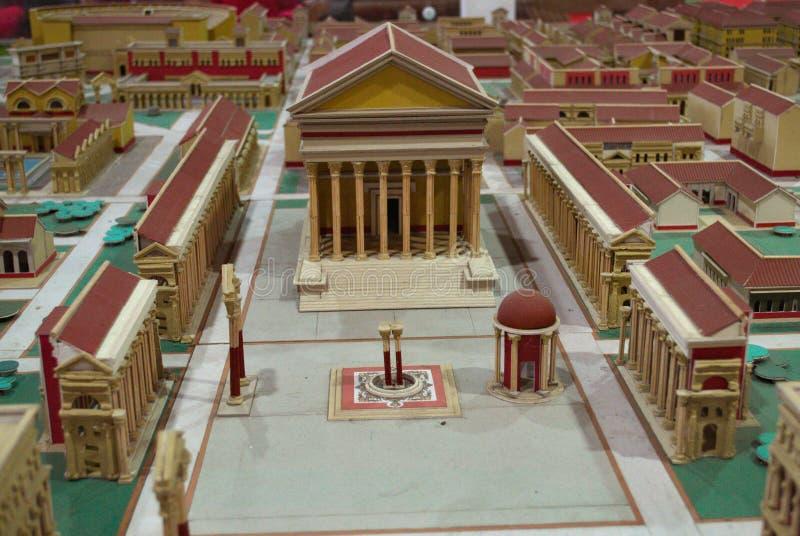 Pappmodell einer römischen Stadt stockfotos