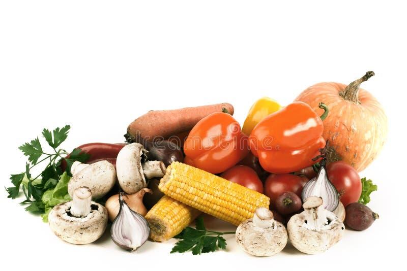 Paprika, aubergine, tomaat en graan Geïsoleerd op een witte backgr royalty-vrije stock foto
