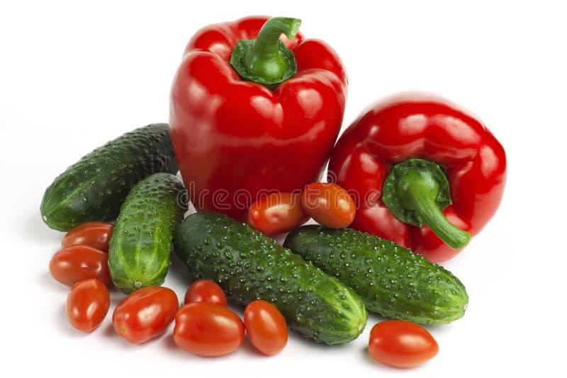 Paprika, concombres et tomates rouges doux photos stock