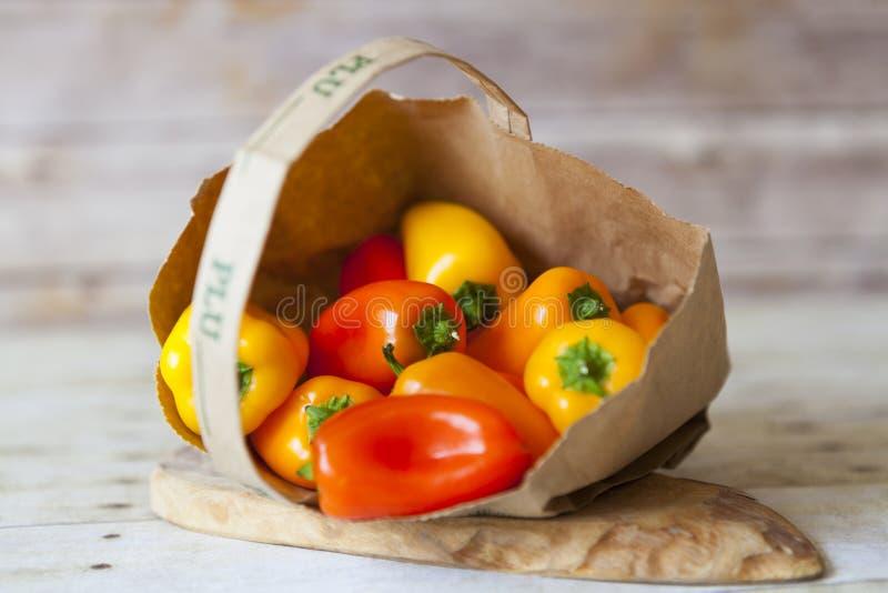 Paprika roja y amarilla imagen de archivo