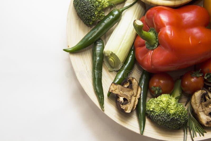 Paprika roja y chiles verdes imagen de archivo