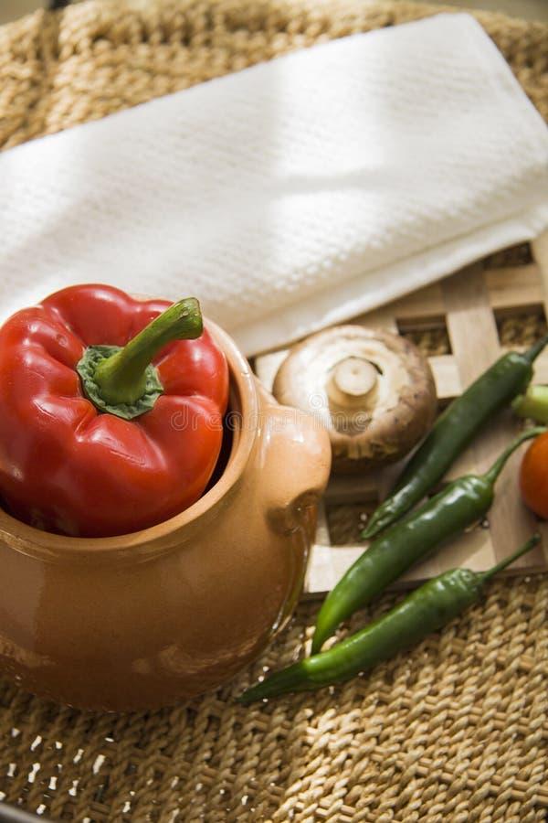 Paprika y chiles listos para cocinar fotografía de archivo