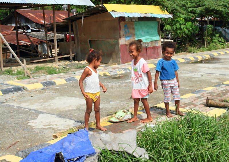 Papuan孩子在曼诺瓦里 免版税库存照片