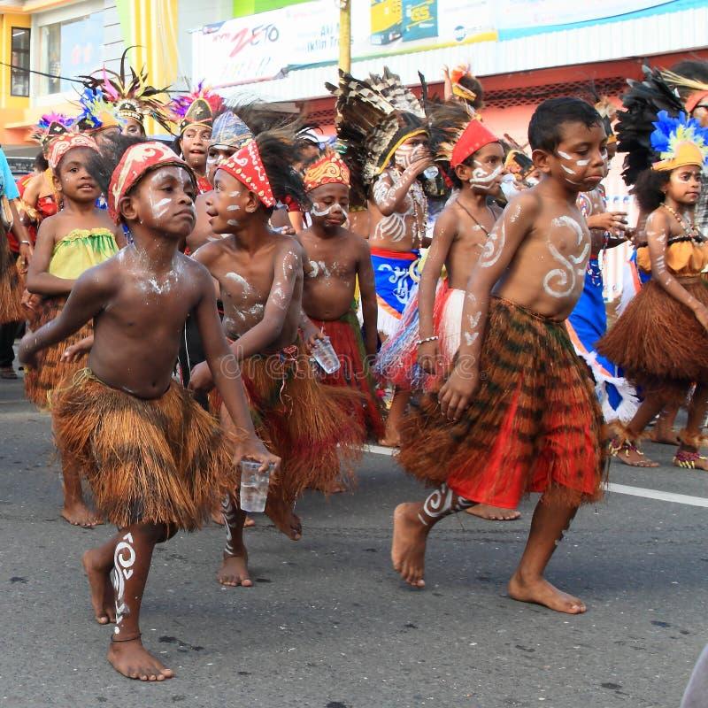 从Papuan部落Kokoda的孩子 免版税库存图片