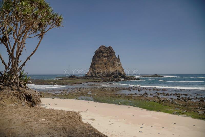 Papuma is het beste strand in Jember Oost-Java Indonesië Zuidoost-Azië stock foto