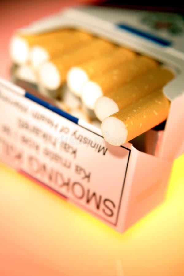 Paquet de cigarettes image stock