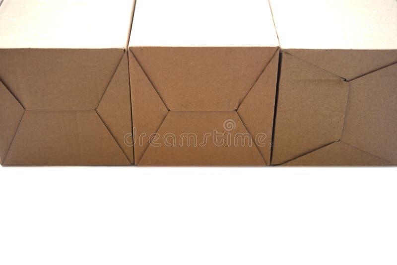 Paquet de plateau de Brown ou de papier brun ou boîte en carton photo libre de droits