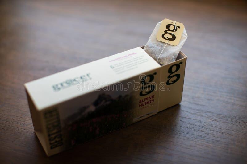 Paquet de thé de grâce sur le fond en bois photo stock