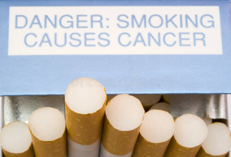 Paquet des cigarettes photos stock