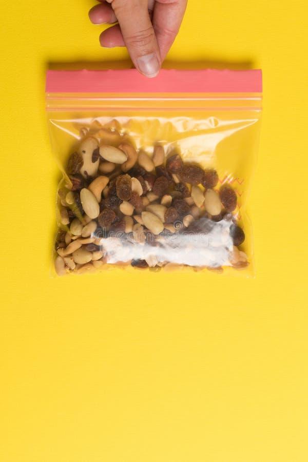 Paquet en plastique de fermeture éclair pour le stockage de nourriture E photos stock