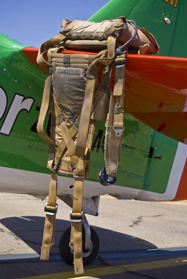 Paquete de paracaídas imagenes de archivo