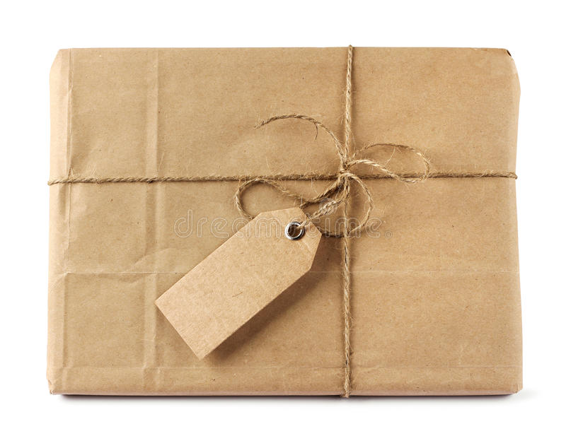 Paquete del reparto del correo de Brown con la etiqueta imagen de archivo libre de regalías