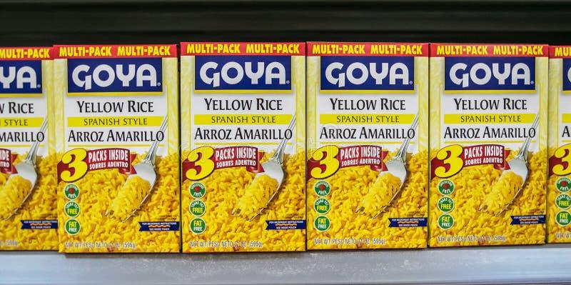 Paquetes de arroz del amarillo de Goya imágenes de archivo libres de regalías