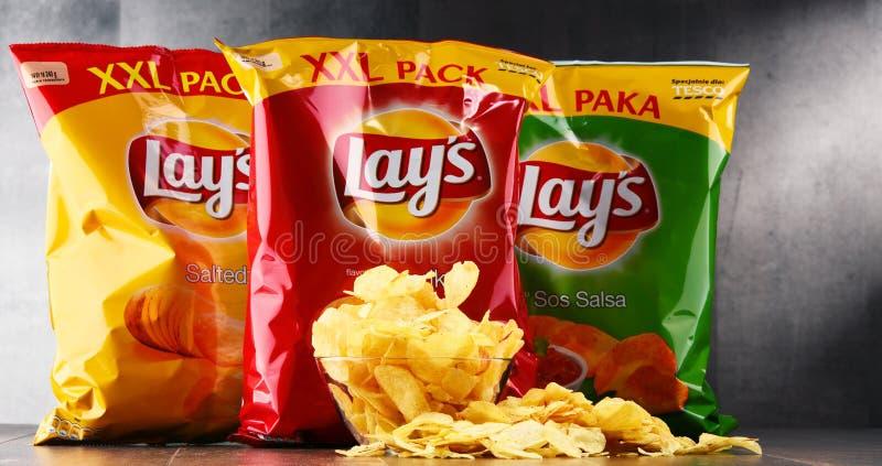 Paquetes de patatas fritas de las endechas foto de archivo libre de regalías