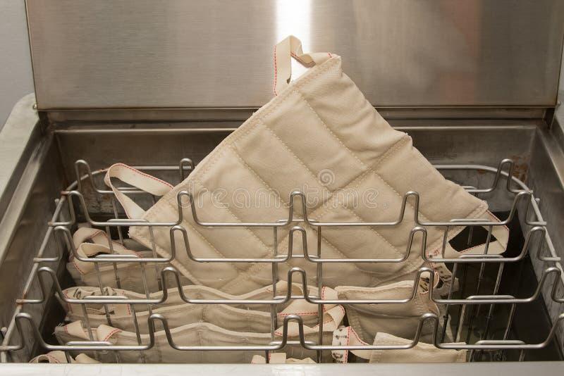 Paquets de la chaleur moite de Hydrocollator, matériel médical images stock