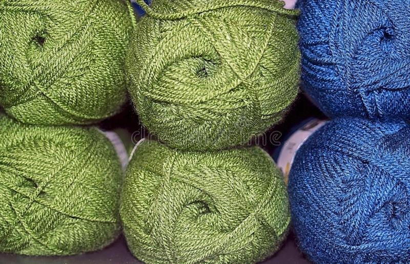 Paquets de laine colorée photos stock