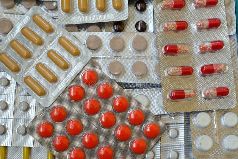 Paquets des médecines image stock