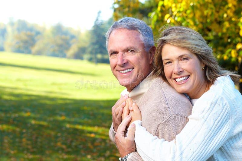 paråldringpensionärer royaltyfri fotografi