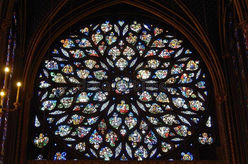 Par?s, Francia - 9 de abril de 2012: Notre Dame de Paris Cathedral Interior imagenes de archivo