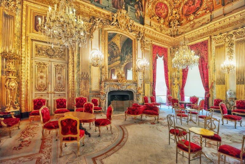 PARÍS, FRANCIA - 3 DE JULIO DE 2016: Apartamentos de Napoleon III lou imagen de archivo libre de regalías