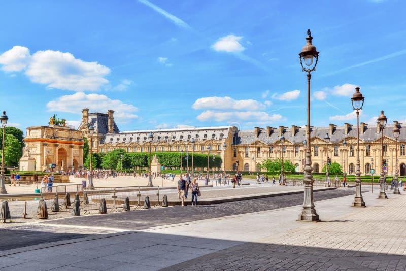 PARÍS, FRANCIA - 6 DE JULIO DE 2016: Arc de Triomphe du Carrousel 18 imágenes de archivo libres de regalías