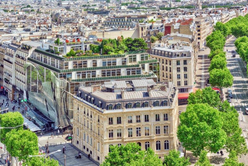 PARÍS, FRANCIA - 6 DE JULIO DE 2016: Vista panorámica hermosa de París fotografía de archivo libre de regalías