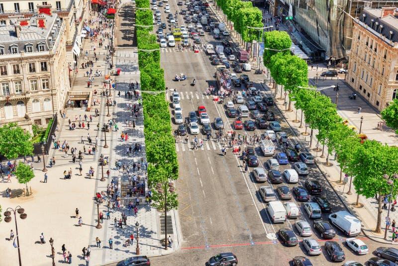 PARÍS, FRANCIA - 6 DE JULIO DE 2016: Vista panorámica hermosa de Pari imagen de archivo