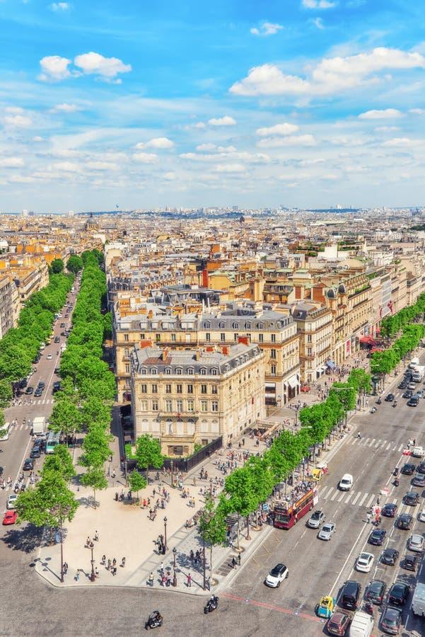 PARÍS, FRANCIA - 6 DE JULIO DE 2016: Vista panorámica hermosa de Pari fotos de archivo