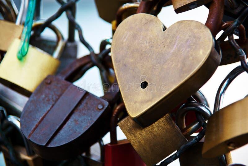 París, Francia. símbolos del amor imagen de archivo libre de regalías