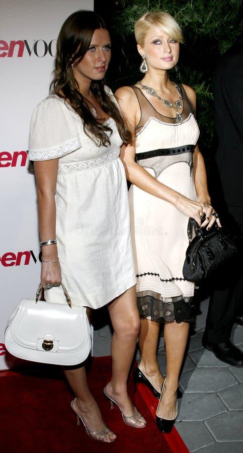 París Hilton y Nicky Hilton foto de archivo