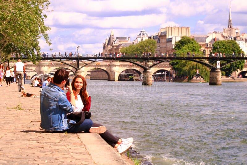 París, quai del Sena francia 16 de junio de 2019 fotografía de archivo libre de regalías
