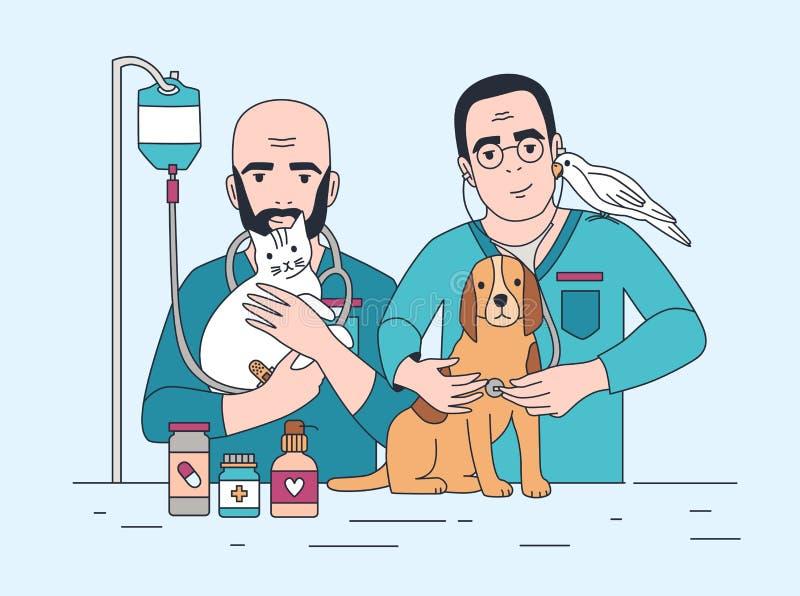 Par av att le den veterinärinnehavkatten, hunden och papegojan Lyckliga veterinärer med husdjur Doktorer som arbetar i veterinär- stock illustrationer