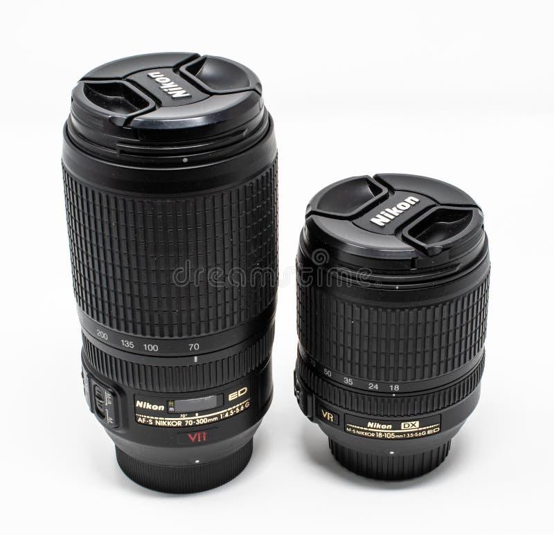 Par av Nikon linser fotografering för bildbyråer