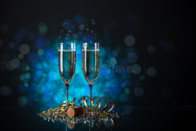 Par exponeringsglas av champagne arkivfoto
