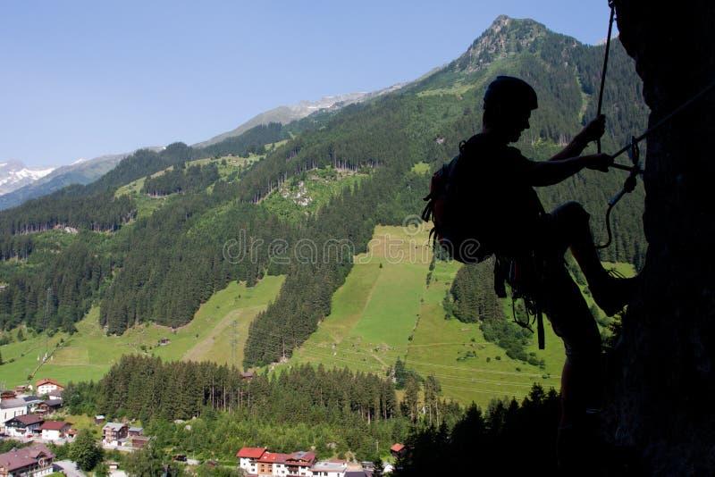 Par L Intermédiaire De S élever De Ferrata/Klettersteig Photographie stock libre de droits