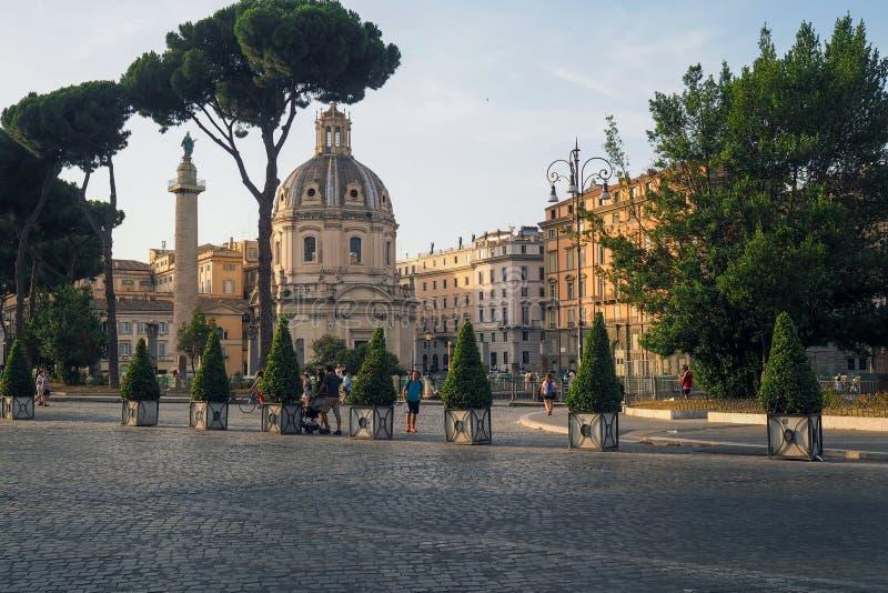 Par l'intermédiaire du Fori Imperiali à Rome, l'Italie photo stock