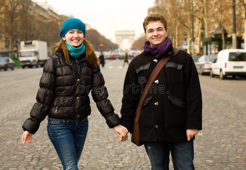 par lyckliga paris arkivbilder