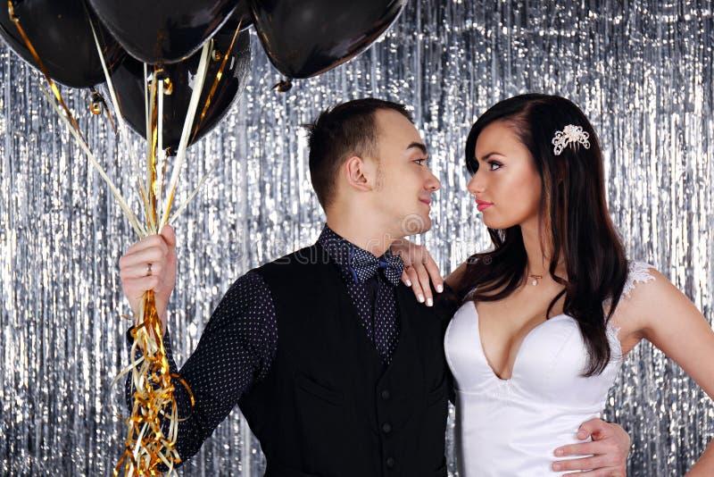 Par med bollar arkivfoton