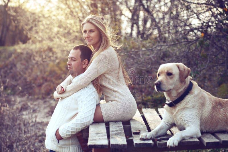 Par med hunden royaltyfria foton