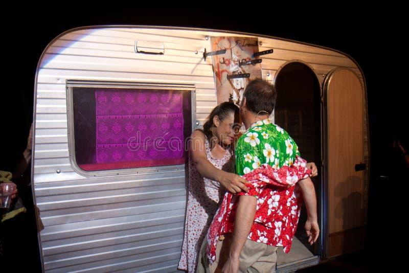 Download Par near en husvagn redaktionell bild. Bild av koreografi - 27280306