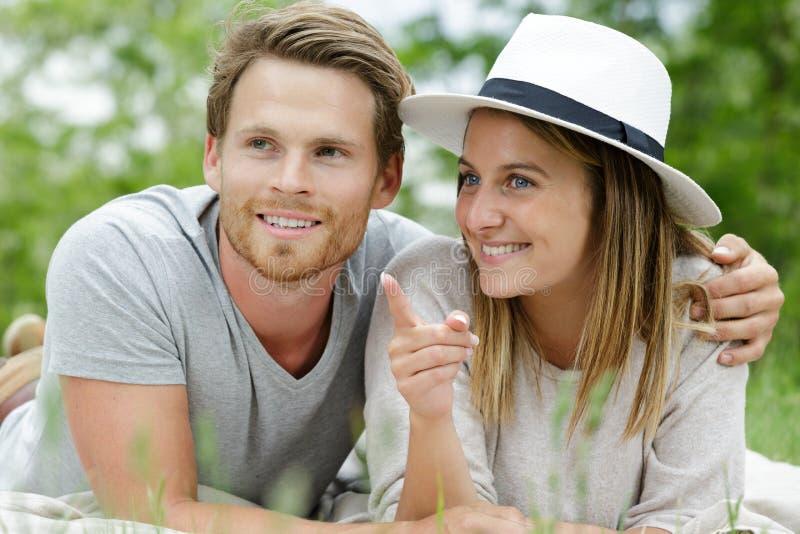 Par och förälskelse och förhållanden royaltyfria foton
