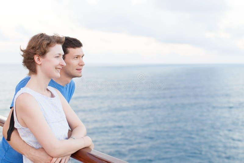 Par på kryssning royaltyfria foton