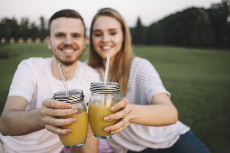 Par på semester arkivbilder