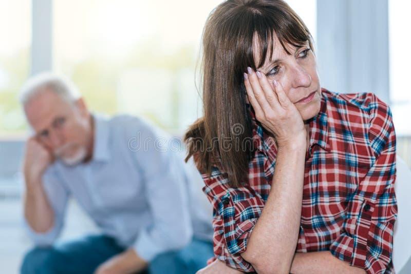 Par som har förhållandeproblem arkivbild