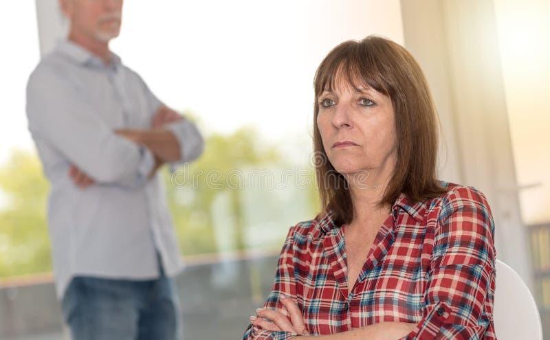 Par som har förhållandeproblem arkivfoton