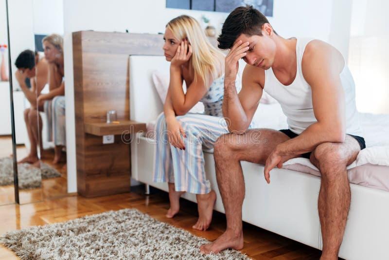 Par som har problemförbindelse royaltyfri bild