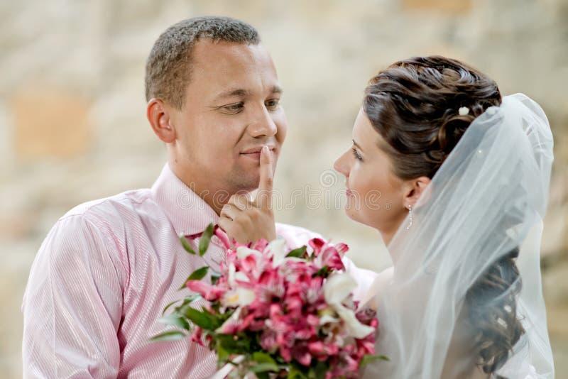 par som nytt att gifta sig royaltyfri bild