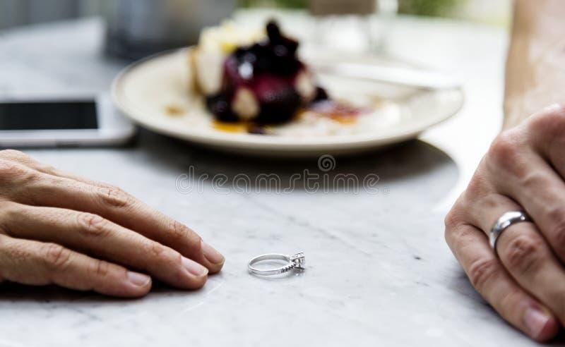 Par som upp bryter förhållandet fotografering för bildbyråer