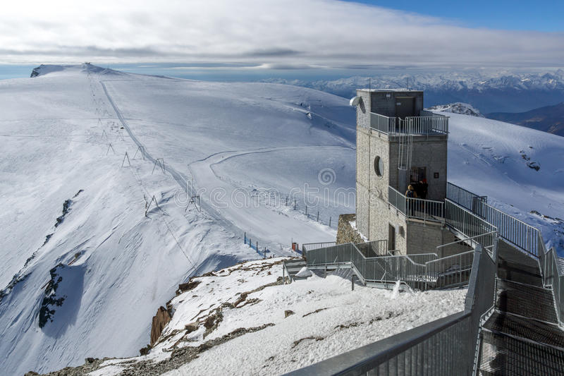 Paraíso del glaciar de Cervino cerca del pico de Cervino, montañas, Suiza fotografía de archivo