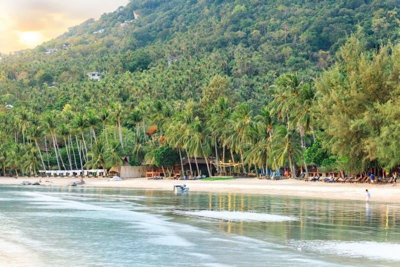 Paraíso tropical asiático da praia foto de stock